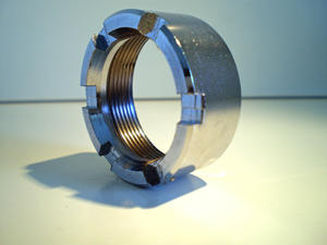 Avgasmutter 32 mm